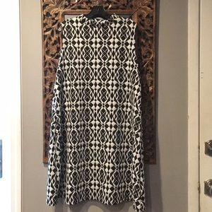 Black and white abstract swing dress!!